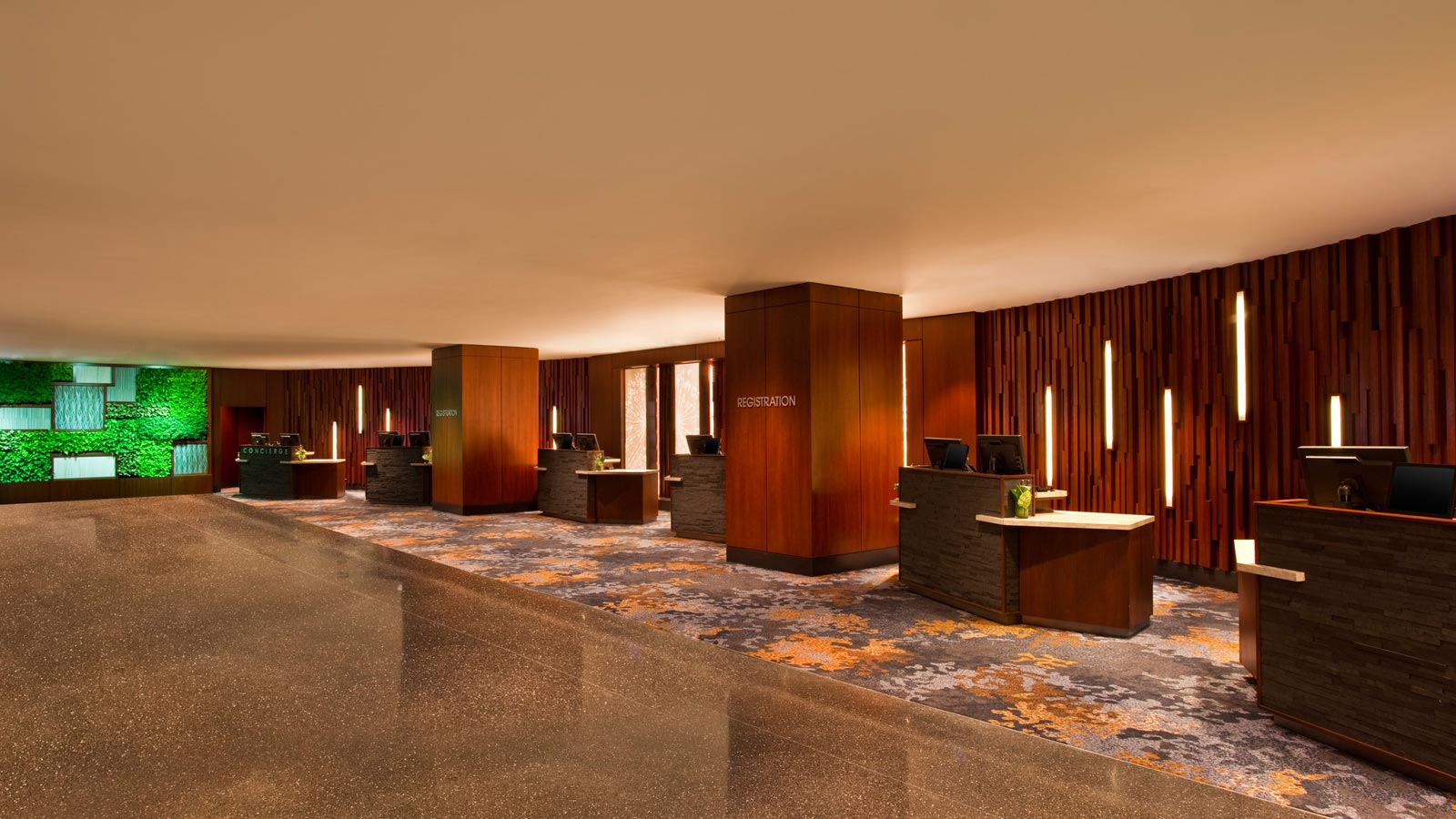 The Westin Peachtree Plaza - Hotel Features